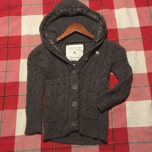 Soft Abercrombie And Fitch Gray wool sweater